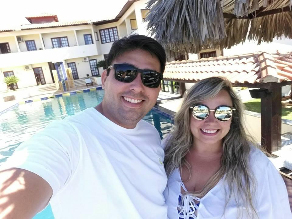 Toda felicidade do mundo aos recém-casados, Erico Verissimo e Ayakonara Raiany.  O casal é da vizinha cidade Antônio Martins e juntinhos mais que nuca curtem lua de mel nas praias de Canoa Quebrada. Luxo.