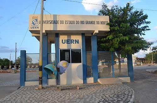 80 reféns de um ato arbitrário - Wilson Bezerra de Moura