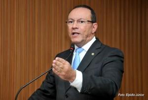 Presidente da Câmara de Natal é afastado suspeito de desviar R$ 22 milhões