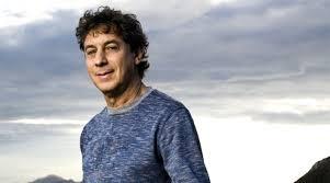 Flávio Venturini se apresentará no Teatro Riachuelo na noite deste domingo