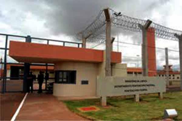 Operação da PF desarticulou plano da facção para assassinato de agentes em todo o país.