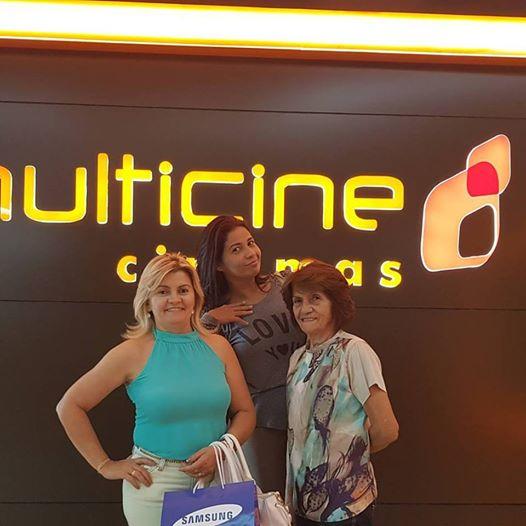 Aniversariante festejada da terça-feira 11 a cabeleireira Nega Maia, ladeada na foto pelas filhas Danusa e Simone Maia. Parabéns!