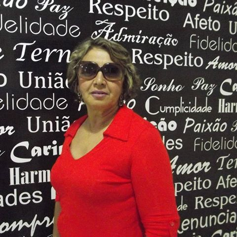 Parabéns para a bacana Lucinha Praxedes aniversariante do dia. Vivas!