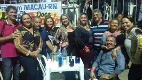 EX PREFEITO E MÉDICO Zé Antônio/Terezinha Menezes comanda mesa das mais concorridas no Mega Brega em Macau/RN no último final de semana.