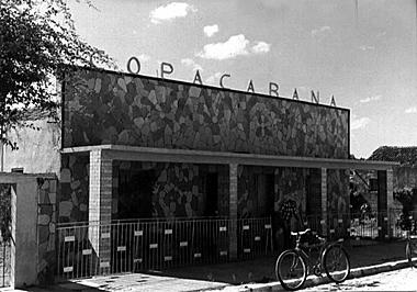 BOITE COPACAPANA.  RUA MARECHAL HERMES ? 1969 Tia Neuza, a proprietária