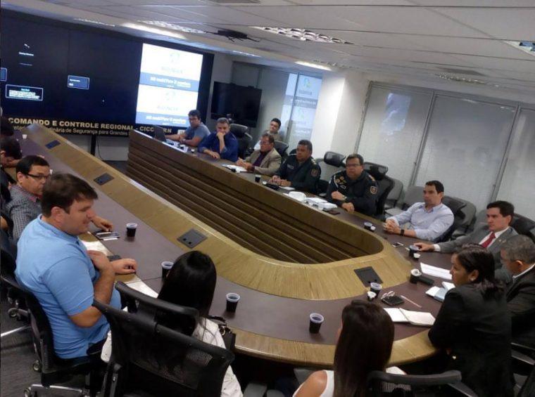 Prefeito Dr Gustavo Montenegro Soares com o Deputado George Soares participam ao lado de Vereadores do Assú e toda Cúpula da Seguranças do RN de Audiência sobre Segurança Publica em Assú.