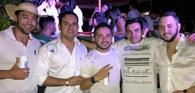 O amigo João Noronha, comemorou seu aniversário ao lado dos amigos, no ultimo sábado, 19.