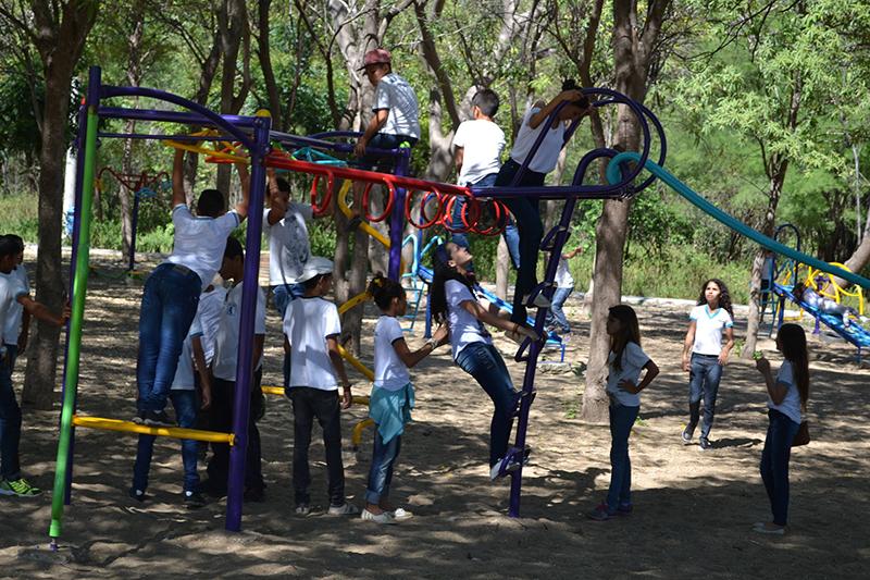 As visitas mais frequentes são de escolas públicas e particulares, que realizam atividades de campo com as crianças.