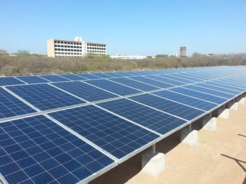 Painéis solares usados para energia renovável no Campus Sede, em Mossoró (Foto: Eduardo Mendonça/Assecom/Ufersa).