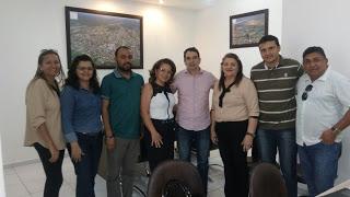 PREFEITO Gustavo Soares, recebe em seu gabinete Técnicos da SMEC Assú para criação de Políticas Públicas Antidrogas no Município. #AUDIÊNCIA.