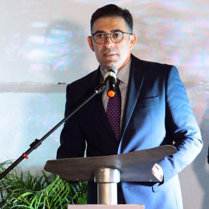 O presidente do Sinduscon/Mossoró Sergio Freire feliz da vida e com o sentimento de missão cumprida com a inauguração da nova sede. Aplausos!