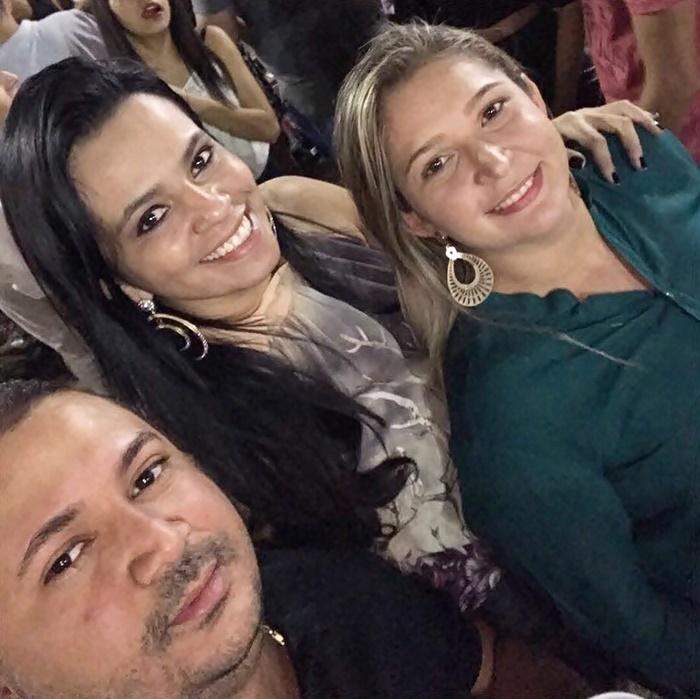 Luismário Anastácio, Adriana Isis e Géssica Pinheiro nos agitos da Finecap.