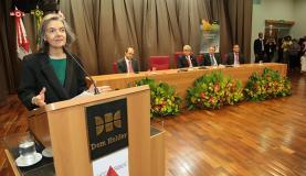 A presidente do STF, ministra Cármen Lúcia, faz conferência no Seminário Reforma Trabalhista, realizado pelo TRT-MG. Divulgação/TRT-MG