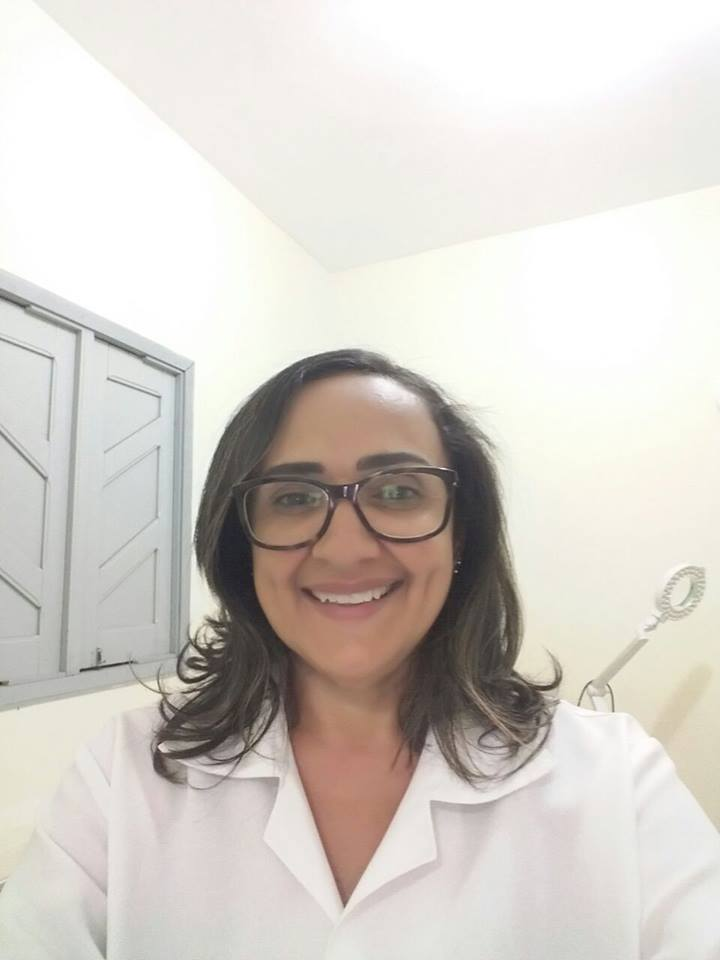 Valéria Ferreira proprietária do espaço estética e bronze.