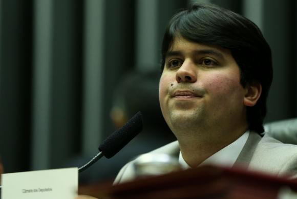 Deputado André Fufuca convocou sessão para segunda-feira para tentar garantir as votaçõesArquivo/Marcelo Camargo/Agência Brasil