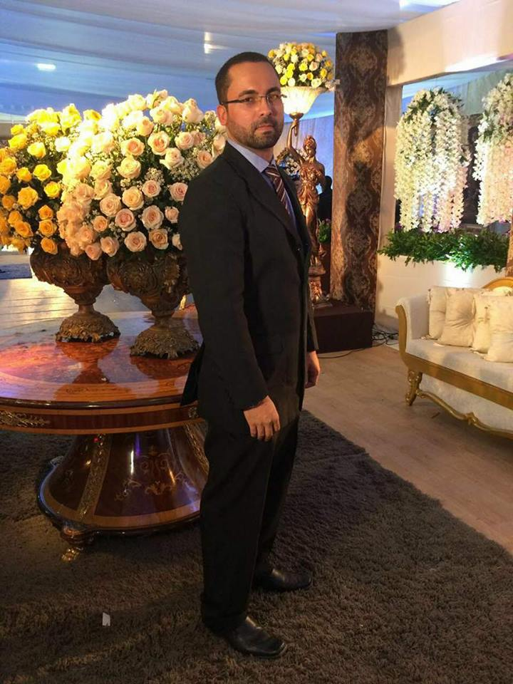 OEngenheiro Agrônomo, mestre em Horticultura Jonath Werissimo hoje 20/09 faz aniversário.Desejo sucesso em sua vida. Felicidades!