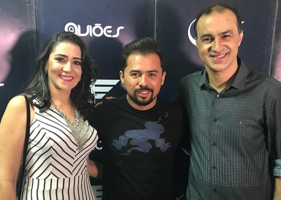 O prefeito Leonardo Rêgo com o cantor Xande Avião e a primeira dama Erica Rêgo.