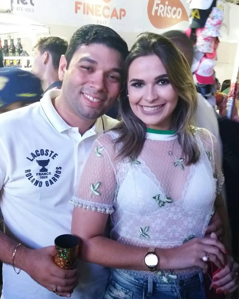 O casal Renata Brasil e André Sândalo com look da loja vip da cidade Max modas. Estavam lindos!
