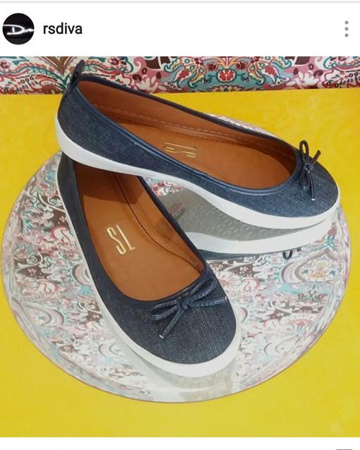 Chegando para aquecer a estação! Modelo de sapatilha denim Santa Lolla, disponível na loja Diva em Pau dos Ferros/RN.