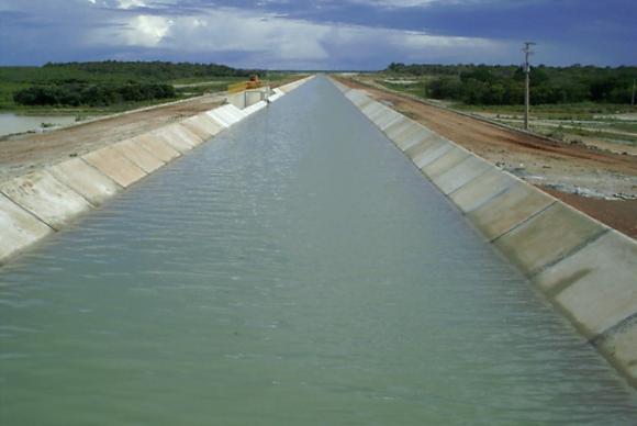 Vista geral do canal de transposição do Açude Castanhão, no Ceará Divulgação/Ministério da Integração Nacional