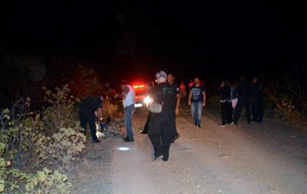 A vítima foi atingida por um tiro no olho e outro nas costas (Foto: Fim da Linha).