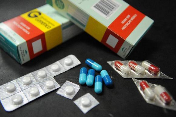 Hoje, data em que é lembrada o Dia Nacional de Luta por Medicamentos, Ana Paula e outros pacientes crônicos relatam dificuldades no acesso aos remédios,  além do frequente desabastecimento no estoque das farmácias de alto custo no DFArquivo/Agência Brasil