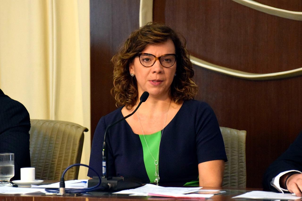 Larissa Rosado propõe convênio entre CAERN e Liga Norte Riograndense Contra o Câncer