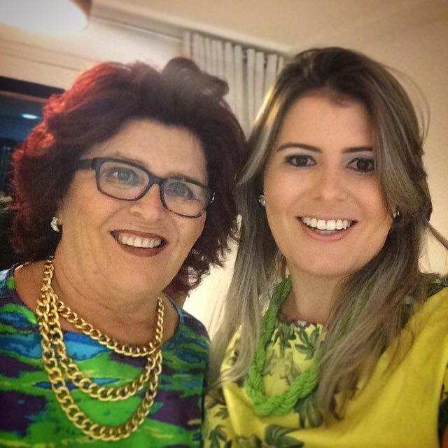 Hoje é dia de celebrar a vida de dona Nilda Costa mãe da colunista Rafaella Costa, para Nilda felicidades sempre!
