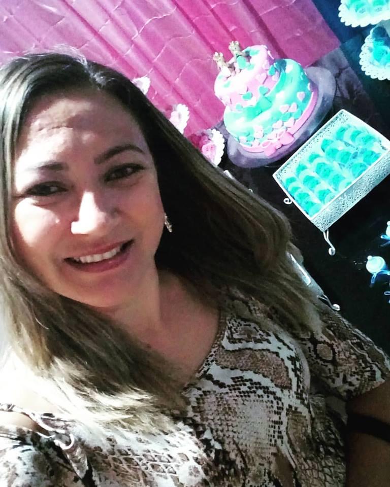 Neidinha Pinheiro, da cidade de São Miguel/RN, aniversariantes desta sexta-feira, 13. Parabéns e felicidades!!!
