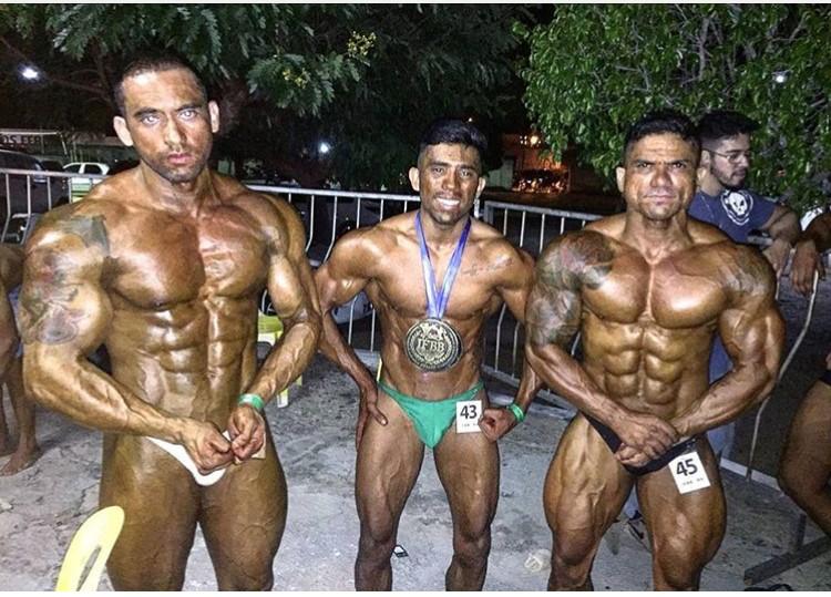 Ernesto Hulk, Italo Mackenze e Carlos Clodoaldo (CarlosLewes4) marcando presença na I Copa NutriLine de Fisiculturismo.