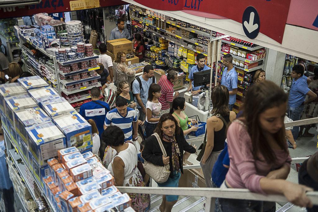 Economia brasileira deve crescer 0,7% em 2017, de acordo com projeções do FMI. Foto: EB