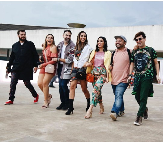 Batalhão Fashion no Minas Trendy. À direita, Georgiano Azevedo seguido de George Azevedo, Gabi Colaço, Kadidja Nascimento, O blogueiro Thiago Malva, Karen Praxedes e o Fotógrafo Vitor Garcia.