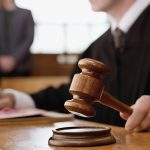 Homem atropela mulher em calçada e é condenado a indenizar casal em Natal