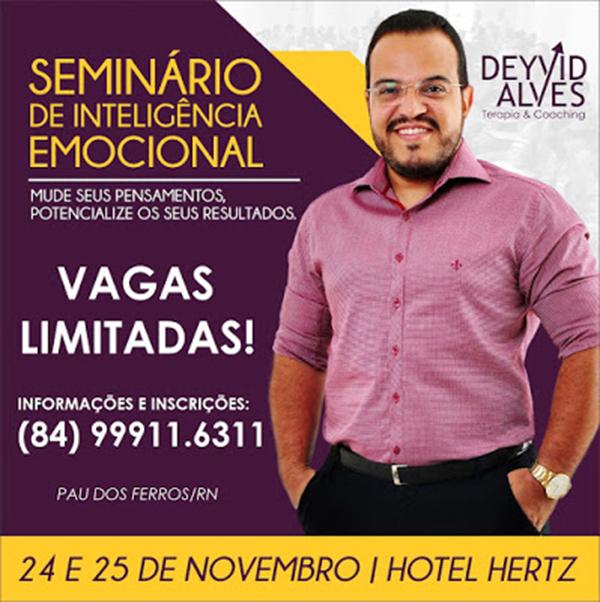 Deyvid Alves nos preparativos para o I Seminário de Inteligência Emocional da região Oeste.