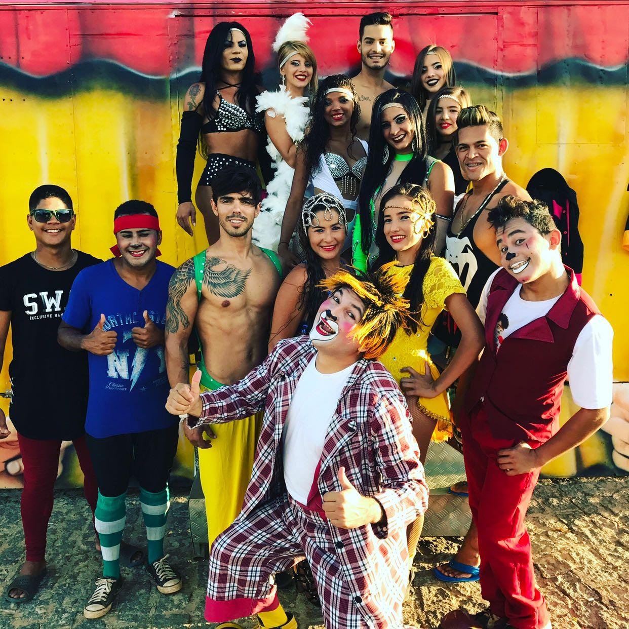 Equipe do Fuxiquinho Circo Show passando uma temporada em Pau dos Ferros/RN.