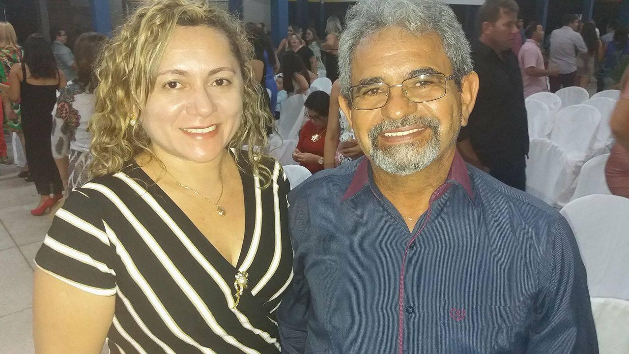 Presença dos diretores do Colégio Nossa Senhora da Conceição, Ana Maria e Aldeci Bezerra Júnior.