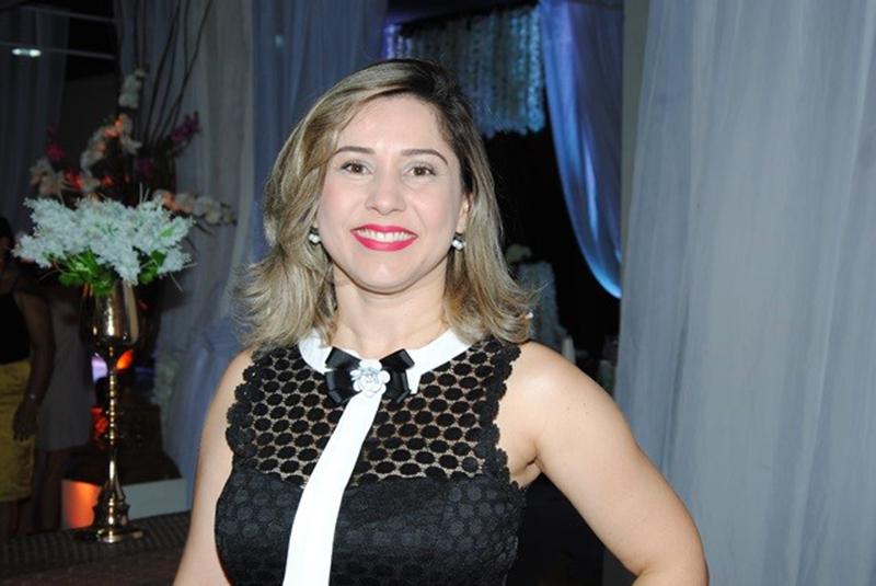 Linda Ana Paula Oliveira também nos prestigiou na festa da nossa coluna em O Mossoroense no Espaço Maria Julia. Achei chique!