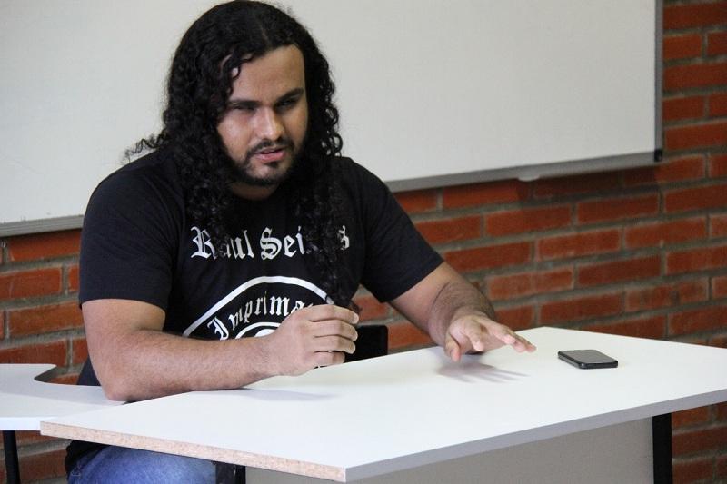 Aluno com deficiência visual conclui curso de História na UERN