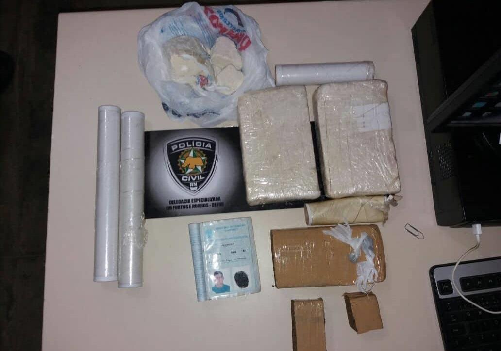 Suspeito de Tráfico de drogas é preso na Abolição IV