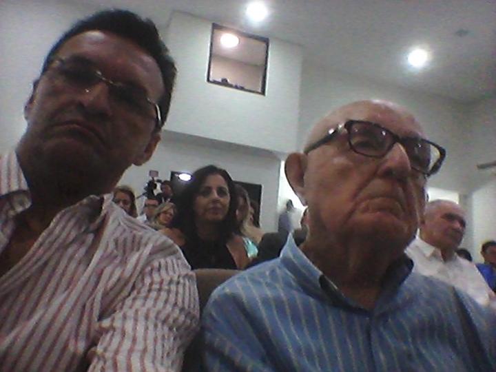Eu, (Ricardo) e meu bom amigo Padre Sátiro, (somos membros do Icop) prestigiando a posse da nova diretoria na sexta à noite. Parabéns a nova diretoria.