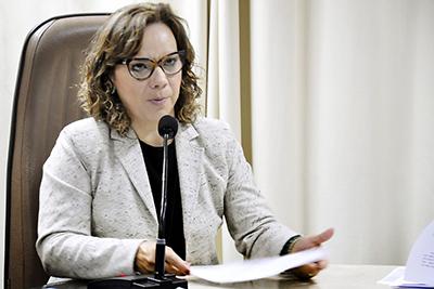 Larissa Rosado destina recursos para vários municípios do Estado