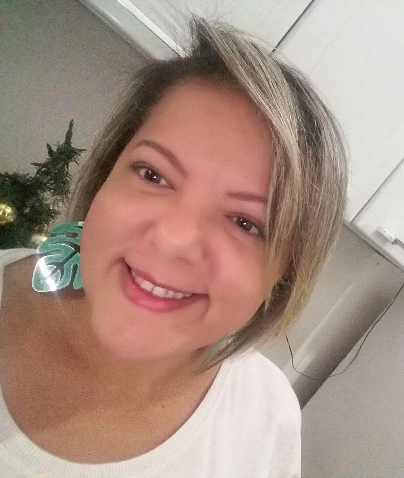 Amanhã é dia de festa da vida para Karina Freitas e é claro que desejamos toda felicidade que houver!