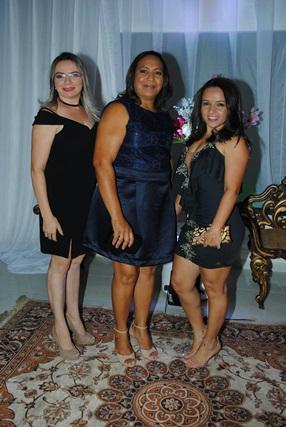 Trio de alinhadas na nossa noite do ultimo dia 22 de outubro com: Veronica Sales, Maria Elicleide e Mara Dantas. Um luxo!