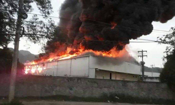 Estúdio usado para gravar próxima novela da Globo pega fogo.