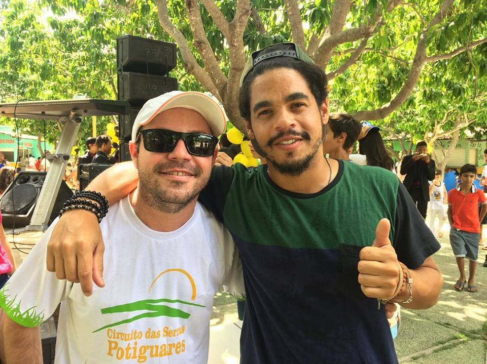 Parabéns para o apresentador Léo Souza pelo sucesso do programa Rota Inter TV, apresentado por ele na afiliada da Rede Globo.