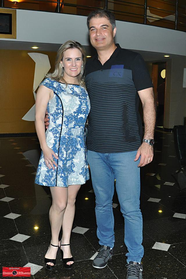 O casal anfitrião do Hotel Thermas, Patrícia Barbosa e Gabriel Barcellos, vai receber os amigos no maior réveillon do estado.