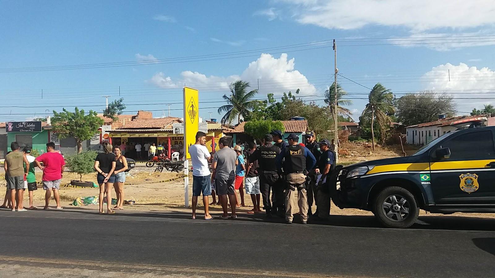 Os dois homicídios ocorreram no bairro Costa e Silva.
