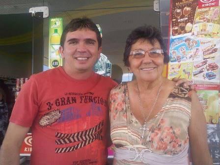 Amanhã é dia de festa para a querida Amélia Fernandes, na foto com o filho Vereador Josean Amorim, para dona Amélia felicidades mil!