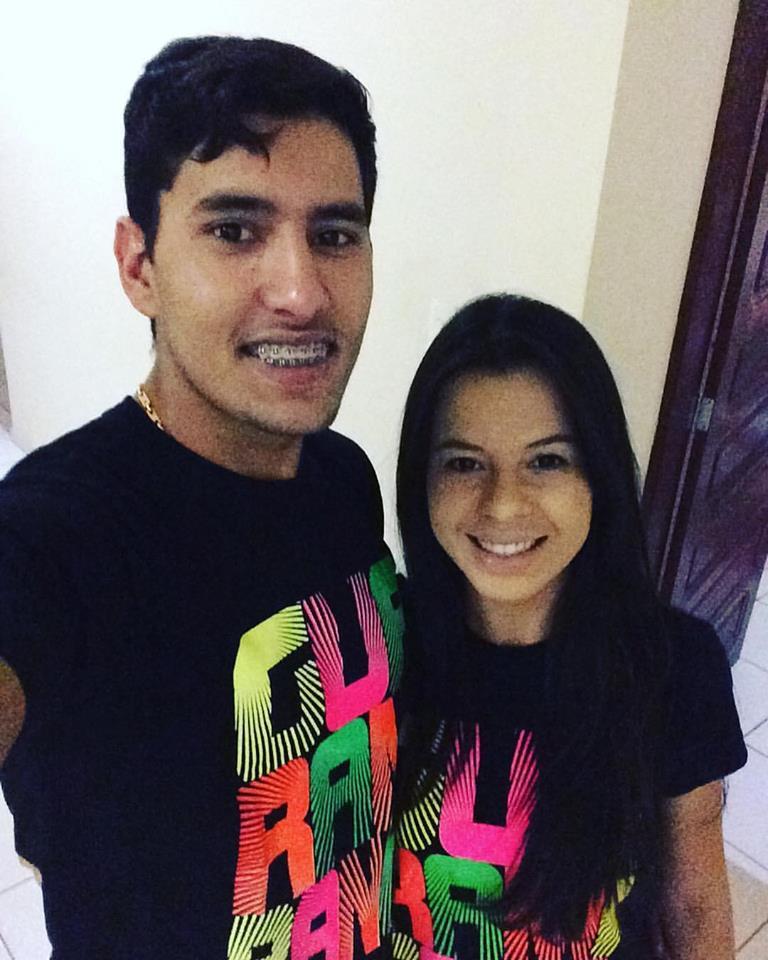 Quem amanhece de idade nova na quarta-feira dia 20 é ao amigo Cassiano Cross e hoje desejamos felicidades sempre, na foto com a amada Joezia Ferreira. Parabéns!