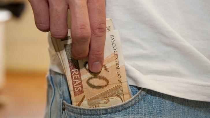 dinheiro_no_bolso